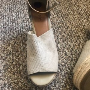 Cream espadrilles platform sandals